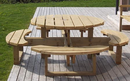 Garden Furniture Hennessey Timber Group - 8 seater round picnic table
